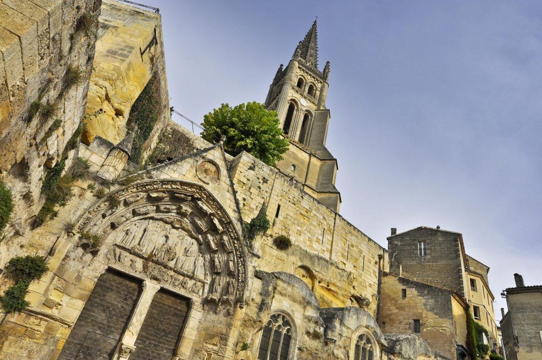2-Saint-Emilion-Dans-les-pas-du-moine...-eglise-2.jpg