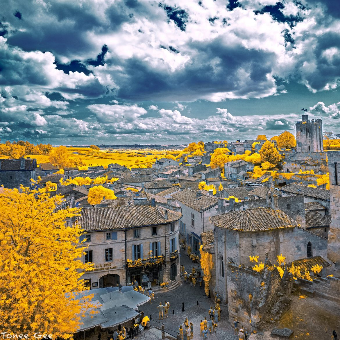 saint_emilion__france__infrared__by_toneegee-d8fliqo.jpg