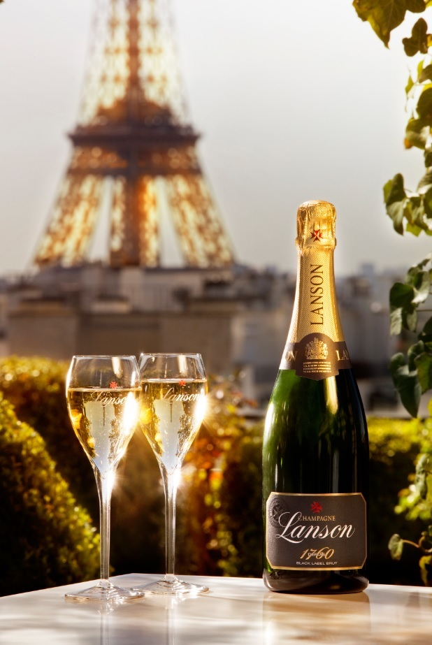 Lanson-Black-Label-Tour-Eiffel.jpg
